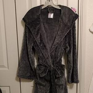 Silver grey faux fur hoodie robe. L/XL